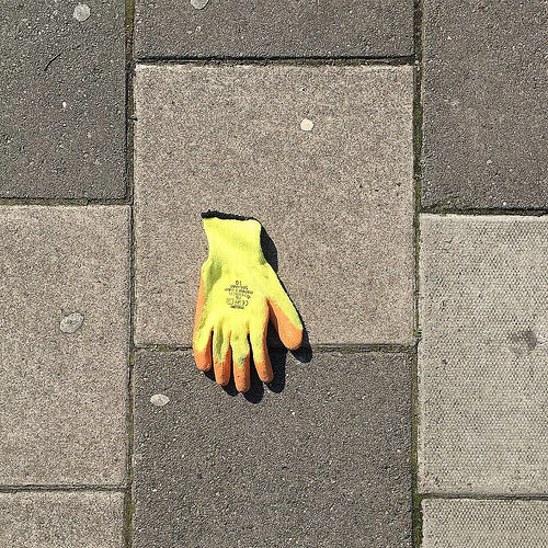 Glovelessness
